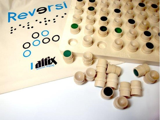 Picture of Reversi, tactile board game