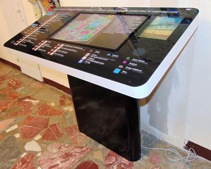 Obrazek terminal informacyjny multimedialny