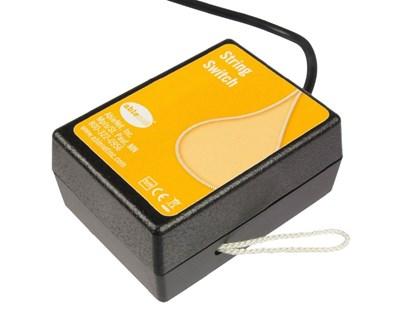 Obrazek String Switch – przewodowy przycisk do urządzeń elektrycznych i elektronicznych