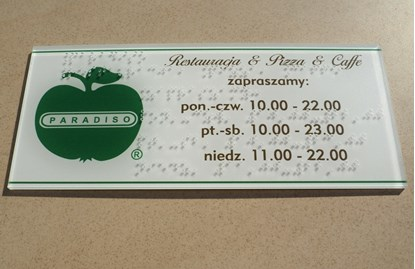 Obrazek Etykiety i tabliczki z napisami brajlowskimi oraz QR